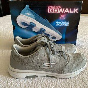 Skechers Gowalk 5 - True Size 9
